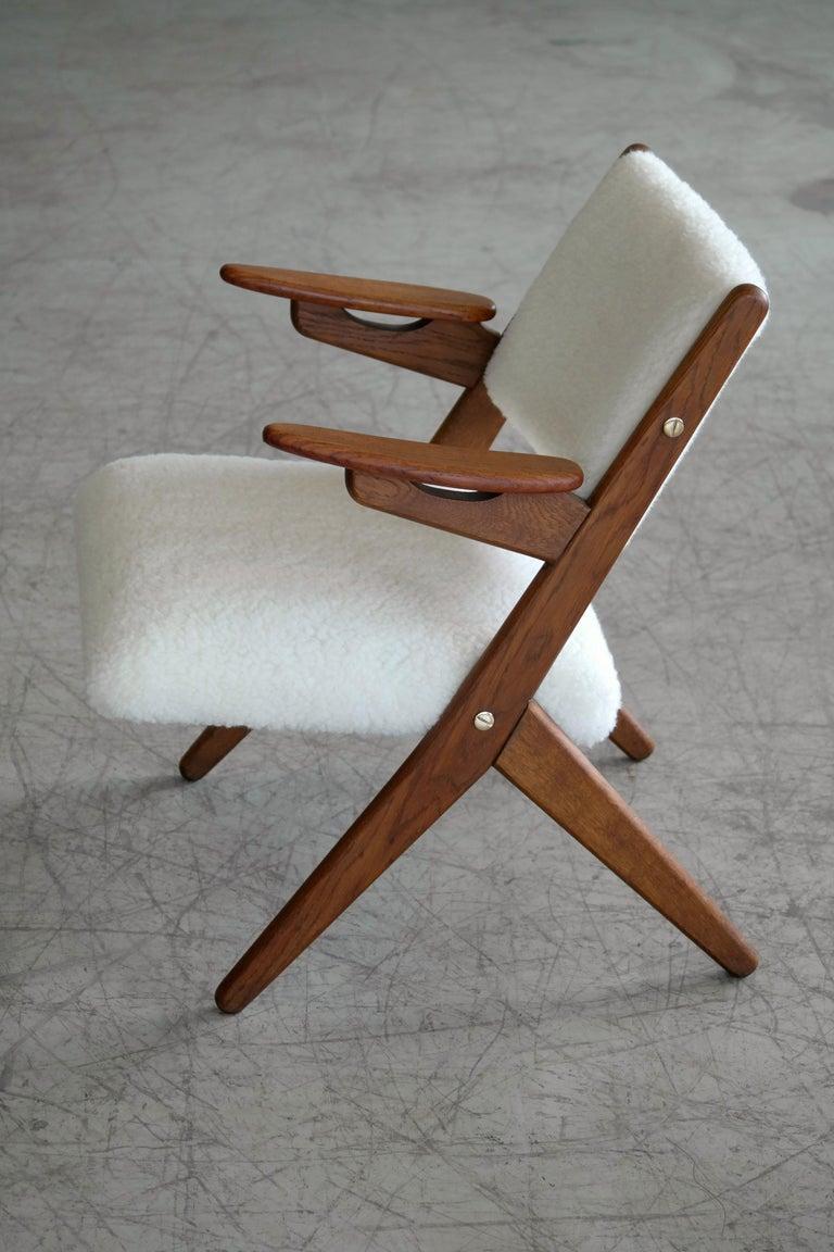 Danish Midcentury Easy Chair in Teak and Lambswool by Arne Hovmand-Olsen For Sale 1