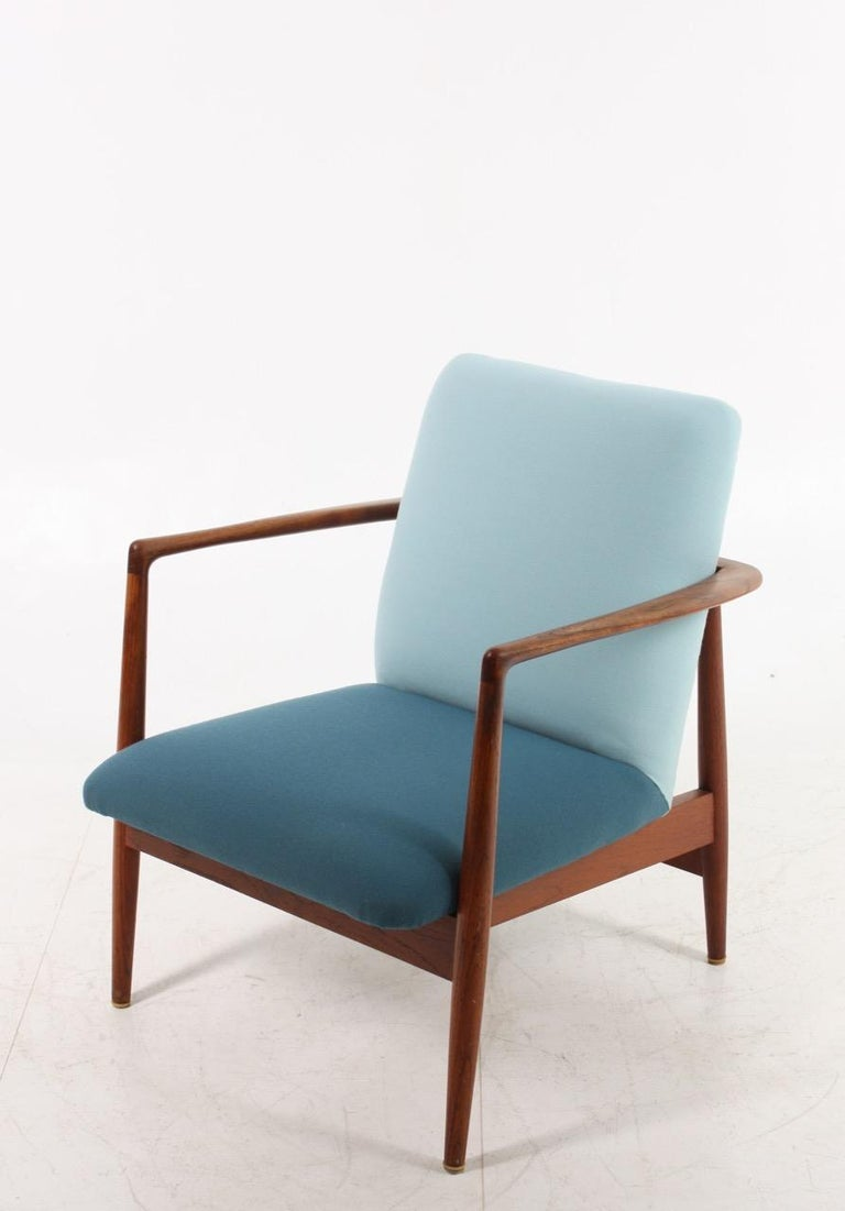 Scandinavian Modern Danish Midcentury Lounge Chair in Teak and Fabric, 1950s For Sale