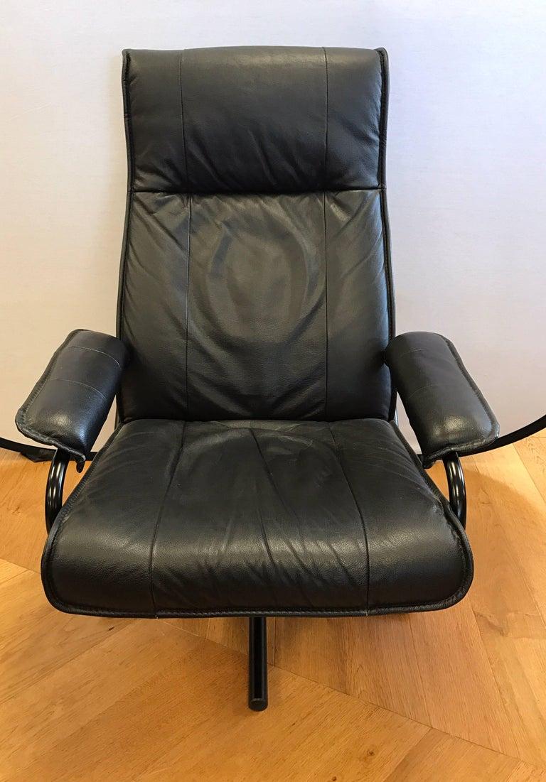 danish mid century modern black pebbled leather recliner lounge