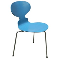 Danish Mid-Century Modern Blue Curved Chair in Solid Wood by Fritz Hansen, 1970s