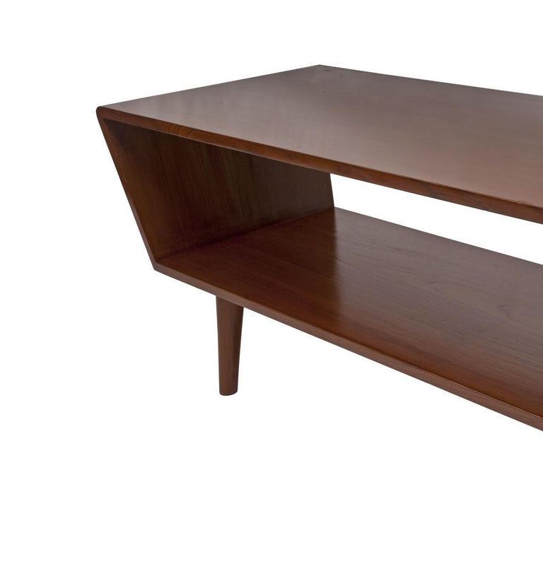 Danish Mid-Century Modern Coffee or Cocktail Table, circa 1950s-1960s For Sale 1