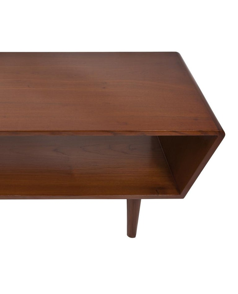 Danish Mid-Century Modern Coffee or Cocktail Table, circa 1950s-1960s For Sale 3