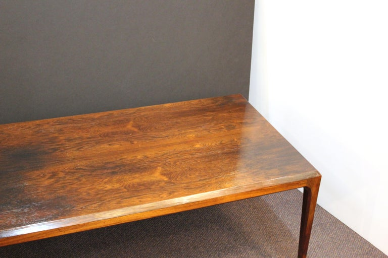 Danish Mid-Century Modern Coffee or Cocktail Table In Good Condition For Sale In New York, NY