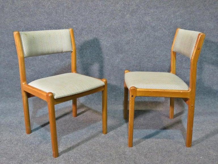 Mid-20th Century Danish Mid-Century Modern Dining Set For Sale