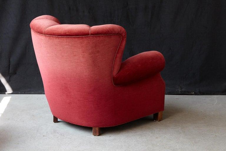 Beech Danish Midcentury Modern Fritz Hansen Model 1518 Large Club Chair in Red Velvet For Sale