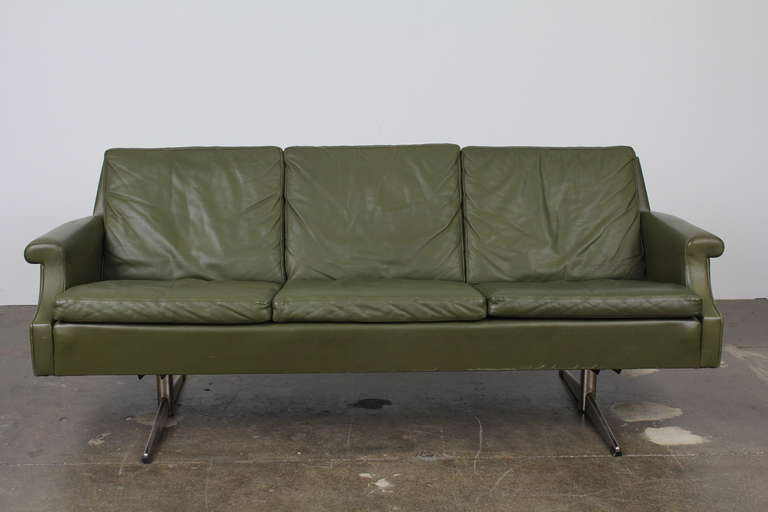 Danish Mid-Century Modern Green Leather Sofa with Metal Legs In Good Condition For Sale In North Hollywood, CA