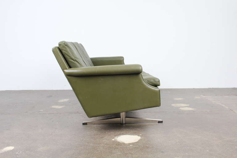 Mid-20th Century Danish Mid-Century Modern Green Leather Sofa with Metal Legs For Sale