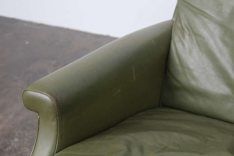 Danish Mid-Century Modern Green Leather Sofa with Metal Legs For Sale 3