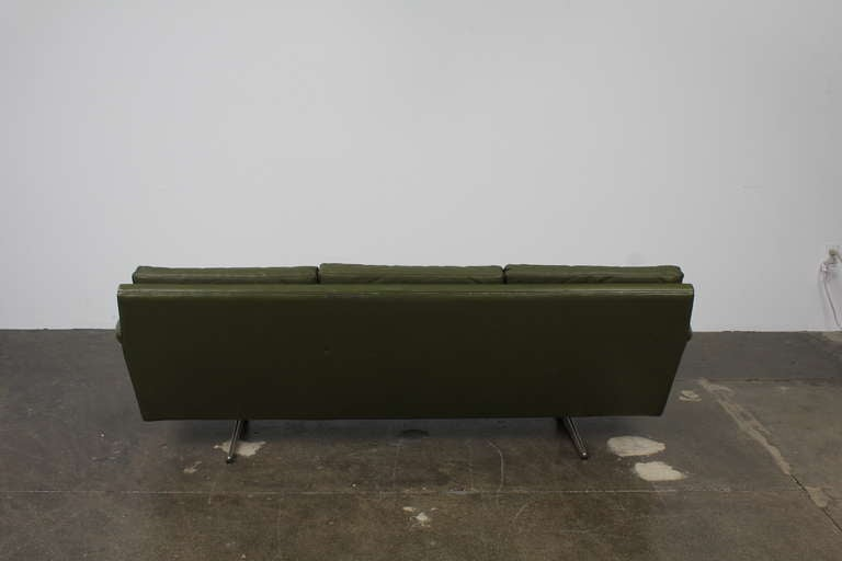 Danish Mid-Century Modern Green Leather Sofa with Metal Legs For Sale 5