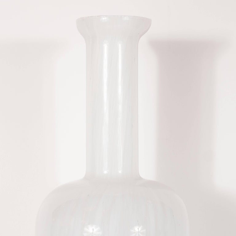 Danish Mid-Century Modern Handblown Glass Vase by Otto Brauer for Holmegaard In Excellent Condition For Sale In New York, NY