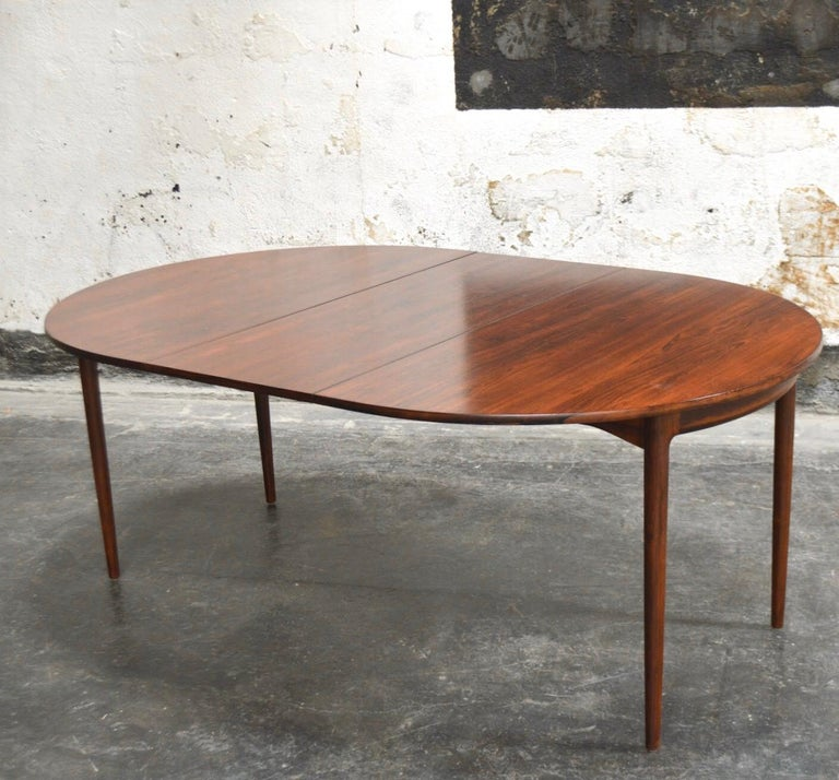 20th Century Danish Mid-Century Modern Jacaranda Extension Dining Table For Sale