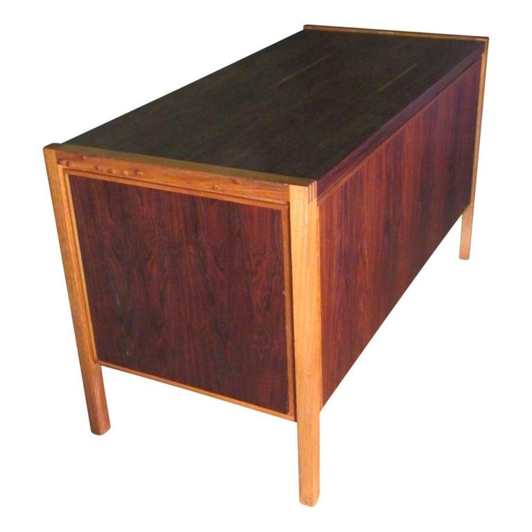 1960s Jacaranda Rosewood & Teak Desk Mid-Century Modern Columbia South America In Good Condition For Sale In Surprise, AZ