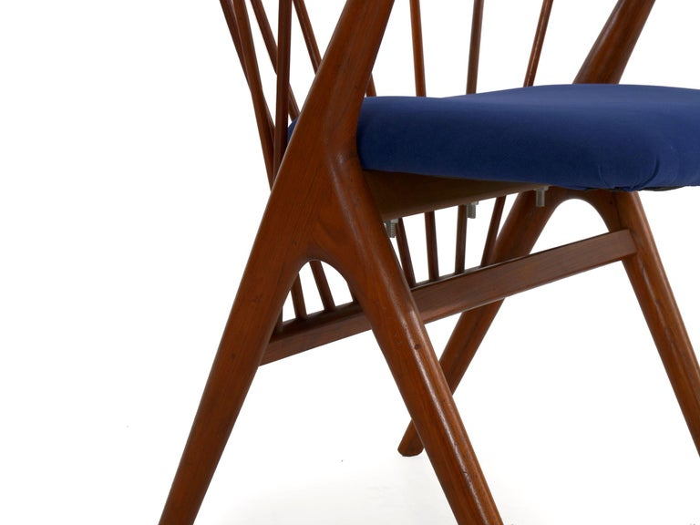 """Danish Mid-Century Modern Spindle-Back Armchair """"No. 8"""" by Helge Sibast For Sale 10"""