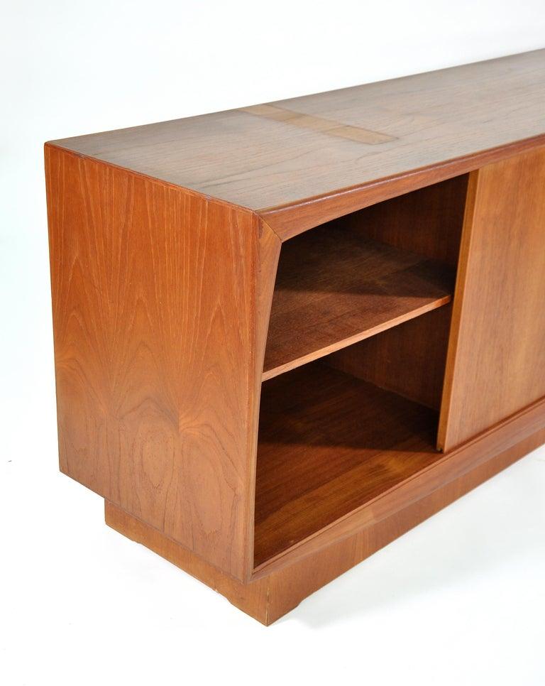 Danish Mid-Century Modern Teak Credenza  For Sale 4