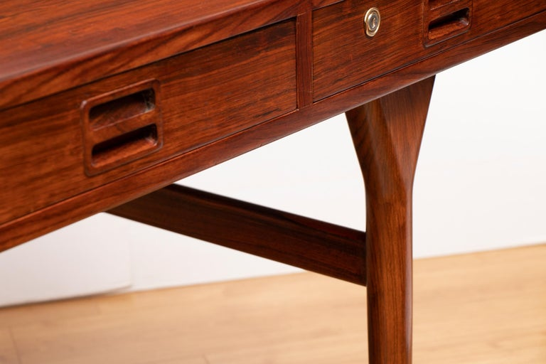 Danish Midcentury Rosewood Desk by Nanna Ditzel For Sale 3