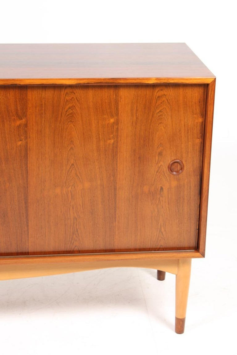 Rare sideboard in rosewood. Designed by Finn Juhl and made by Søren Willadsen in the 1950s. Great original condition.