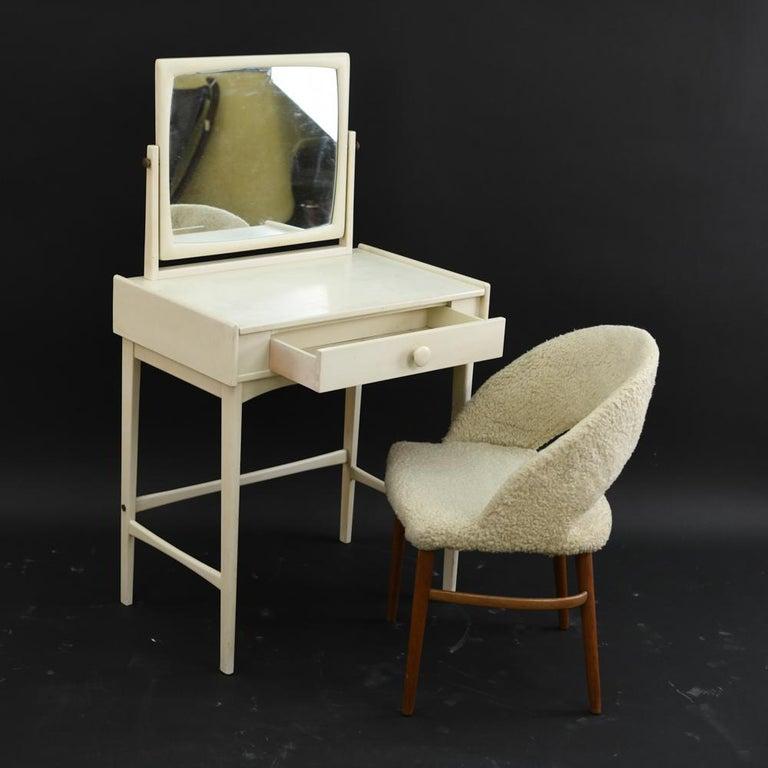 Danish Midcentury Vanity Set In Good Condition For Sale In Norwalk, CT