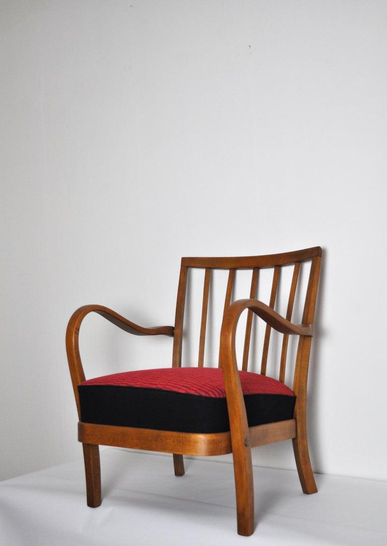 Scandinavian Modern Danish Midcentury Cabinetmaker Armchair Attributed to Fritz Hansen, 1940s For Sale
