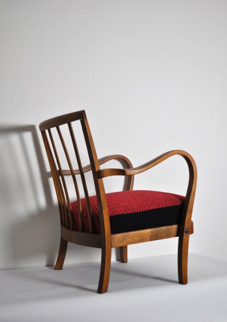 Danish Midcentury Cabinetmaker Armchair Attributed to Fritz Hansen, 1940s In Good Condition For Sale In Vordingborg, DK