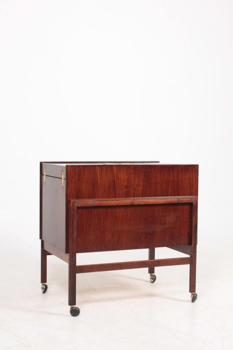 Danish Midcentury Dry Bar Cabinet in Rosewood by Dyrlund, 1960s In Good Condition For Sale In Lejre, DK