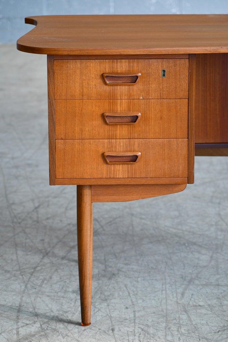 Mid-Century Modern Danish Midcentury Kidney Shaped Kai Kristiansen Style Teak Writing Desk For Sale