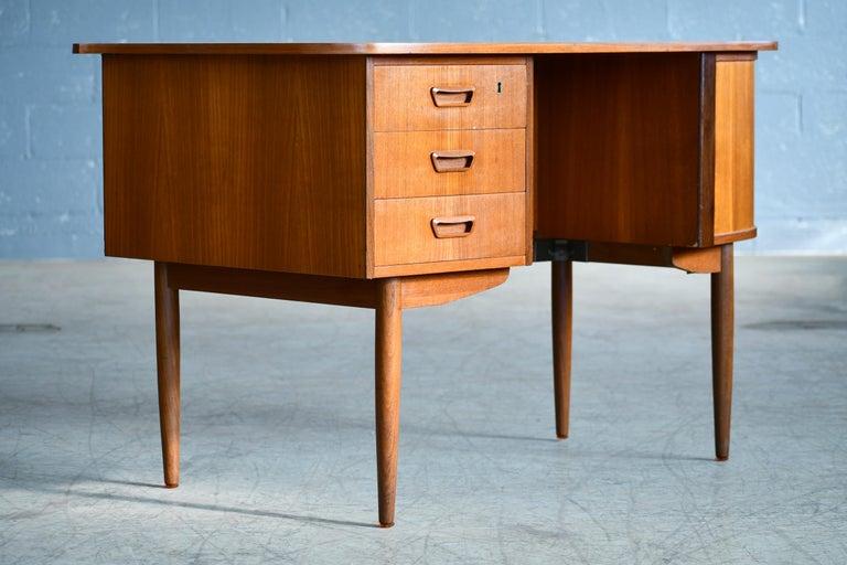 Danish Midcentury Kidney Shaped Kai Kristiansen Style Teak Writing Desk For Sale 1