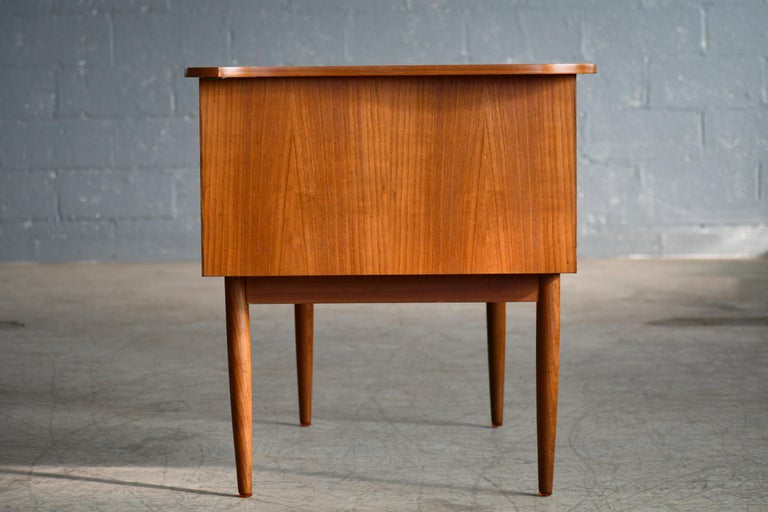 Danish Midcentury Kidney Shaped Kai Kristiansen Style Teak Writing Desk For Sale 4