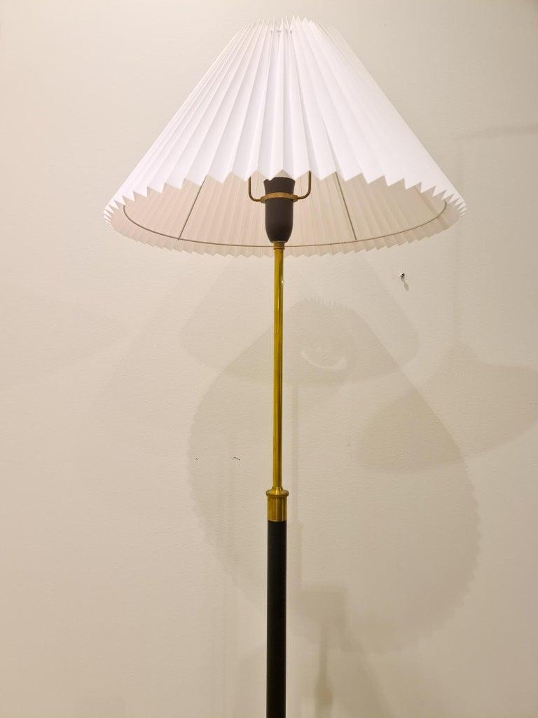 Danish Midcentury Le Klint Floor Lamp No 351 Designed by Aage Petersen, Denmark For Sale 1