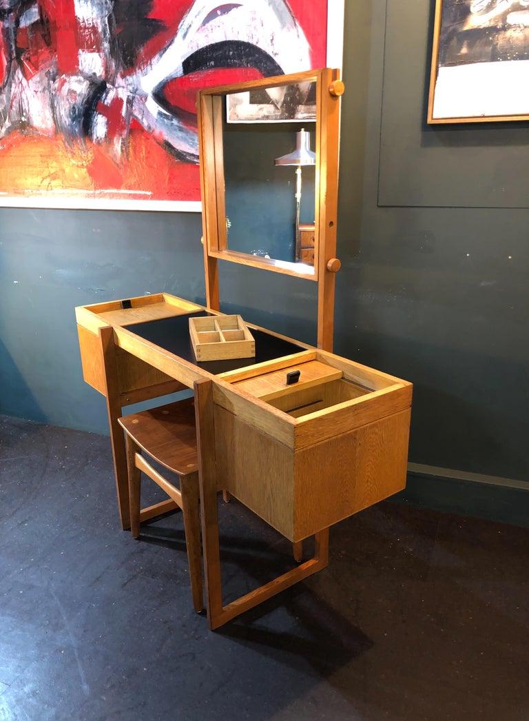 Danish Mid-Century Modernist Vanity Unit, Oak For Sale 10