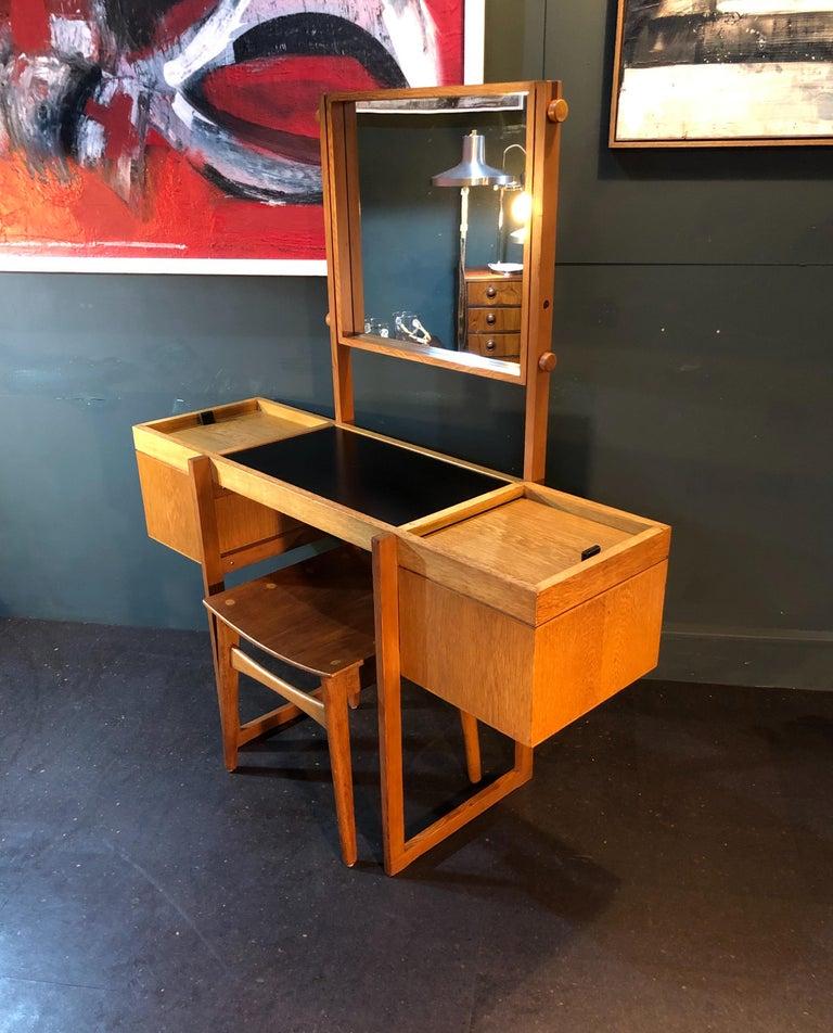 Danish Mid-Century Modernist Vanity Unit, Oak For Sale 6