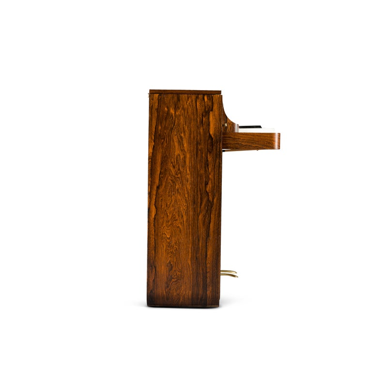Danish Midcentury Pianette by Louis Zwicki in Expressive Rosewood, 1950s In Good Condition For Sale In Teteringen, Noord-Brabant