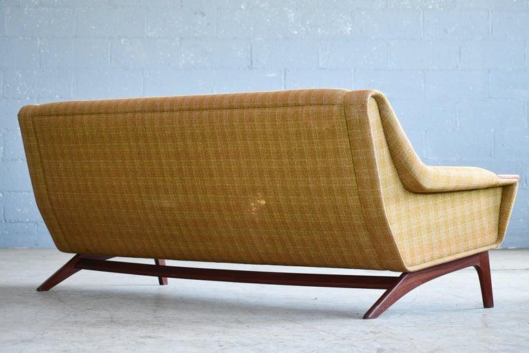 Danish Midcentury Sofa in Wool and Teak by Erhardsen and Erlandsen for Eran For Sale 3