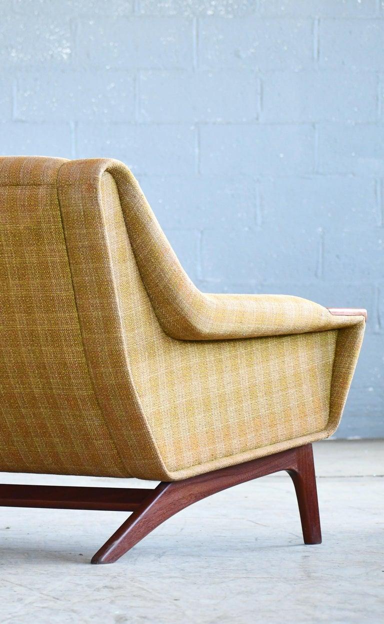 Danish Midcentury Sofa in Wool and Teak by Erhardsen and Erlandsen for Eran For Sale 4