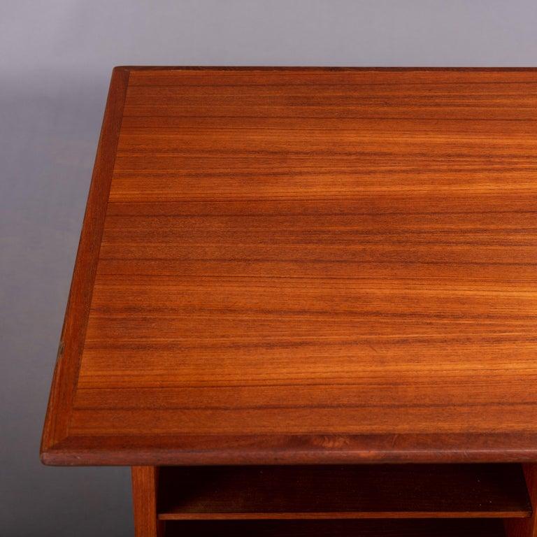 Danish Midcentury Teak Freestanding Desk, 1960s For Sale 3