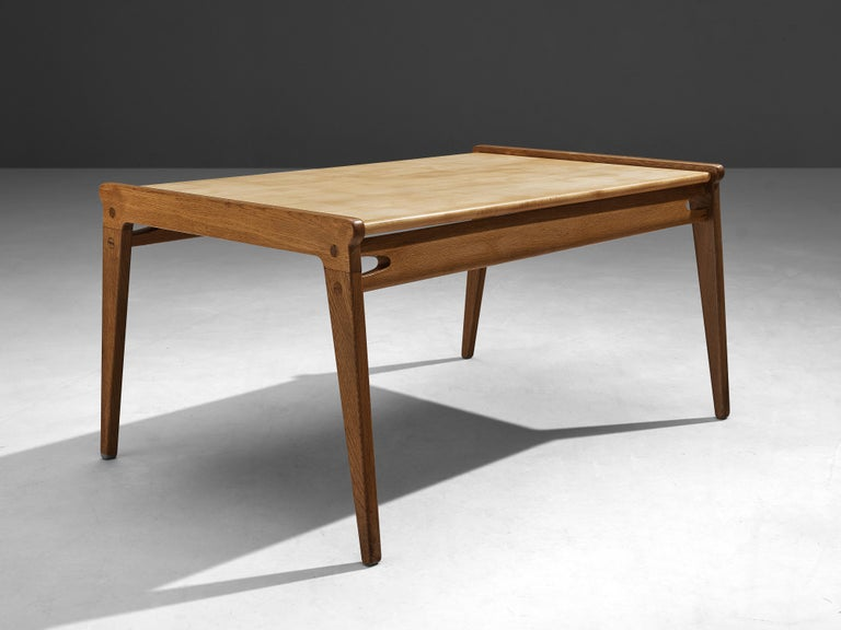 Mid-20th Century Danish Minimalistic Coffee Table in Oak and Maple For Sale