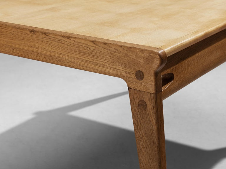Danish Minimalistic Coffee Table in Oak and Maple For Sale 3
