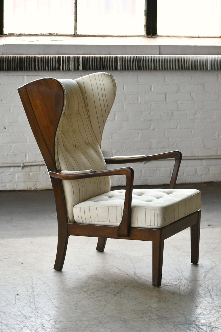 Danish Modern 1950s Highback Lounge Wing Chair Attributed to Fritz Hansen In Good Condition For Sale In Bridgeport, CT