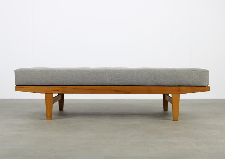 Danish Modern 1960s Poul M. Volther Beechwood Daybed Mod. H9 by FDB Mobler, Sofa For Sale 3