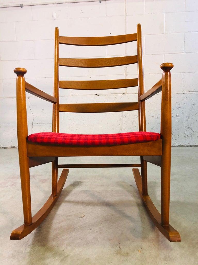 Danish Modern Beechwood Rocking Chair by Niels Eilersen For Sale 5