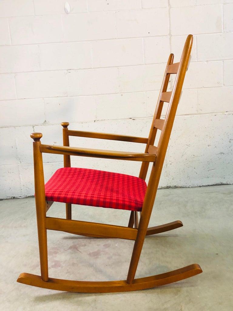 20th Century Danish Modern Beechwood Rocking Chair by Niels Eilersen For Sale