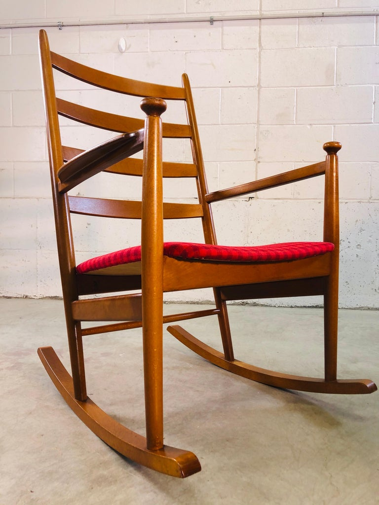 Danish Modern Beechwood Rocking Chair by Niels Eilersen For Sale 4