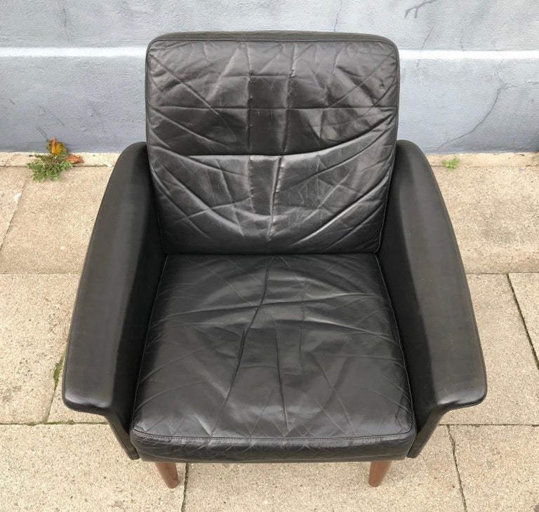 Danish Modern Black Leather Lounge Chair by Hans Olsen for CS Mobelfabrik, 1960s In Good Condition For Sale In Esbjerg, DK