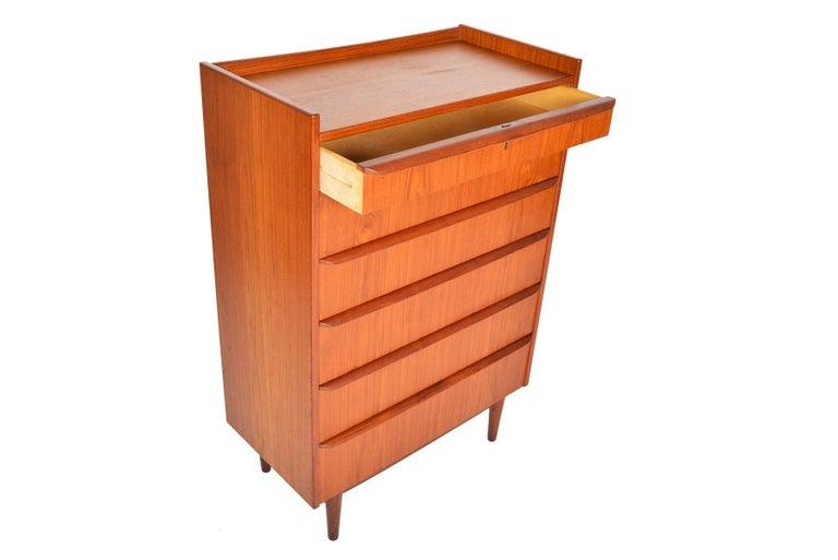 Danish Modern Bookcase Top Teak Highboy Dresser In Good Condition In Berkeley, CA