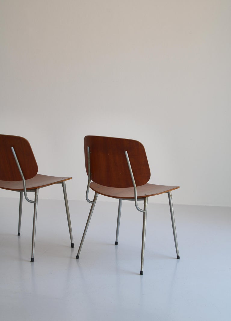Danish Modern Børge Mogensen Dining Chairs in Steel and Plywood, 1953 For Sale 6