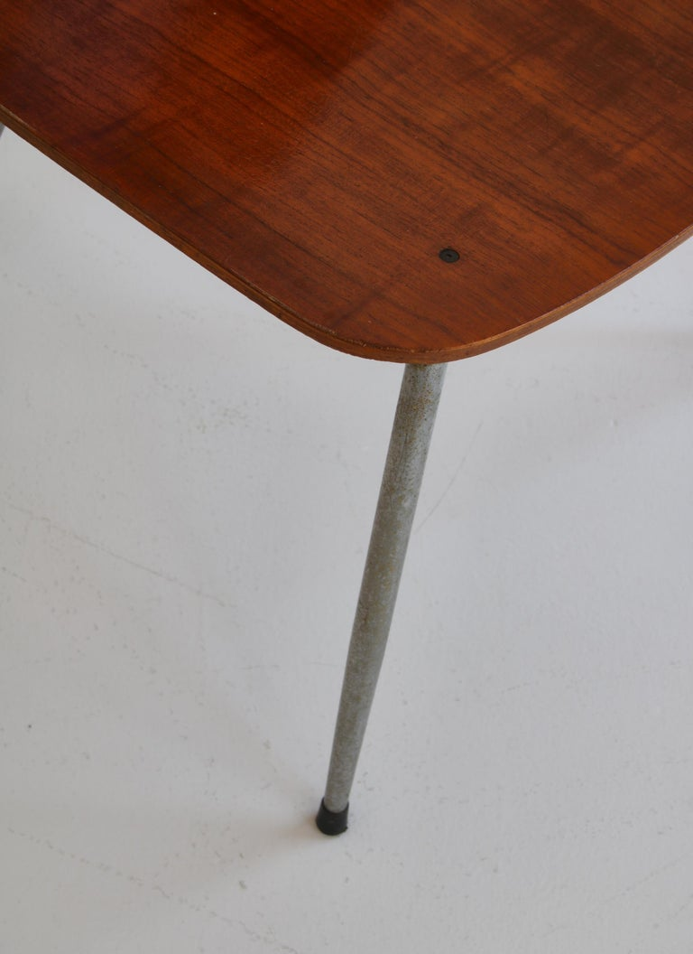 Danish Modern Børge Mogensen Dining Chairs in Steel and Plywood, 1953 For Sale 8