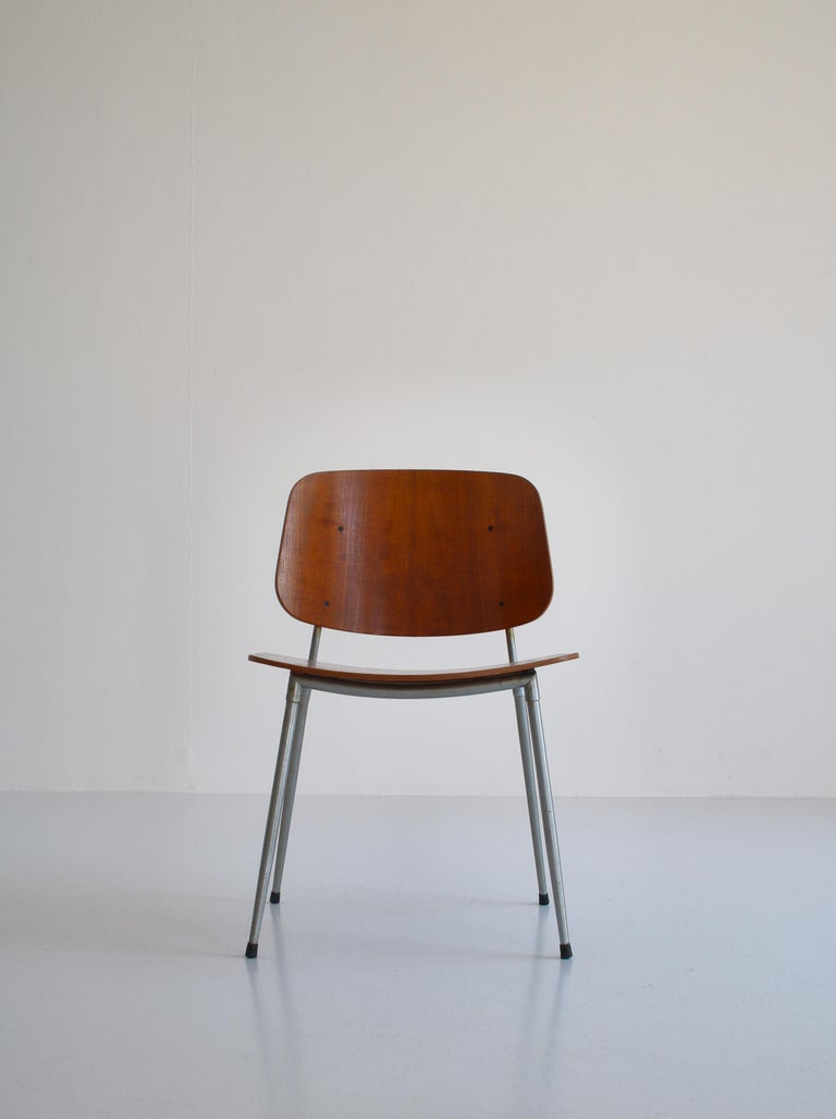 Danish Modern Børge Mogensen Dining Chairs in Steel and Plywood, 1953 For Sale 10