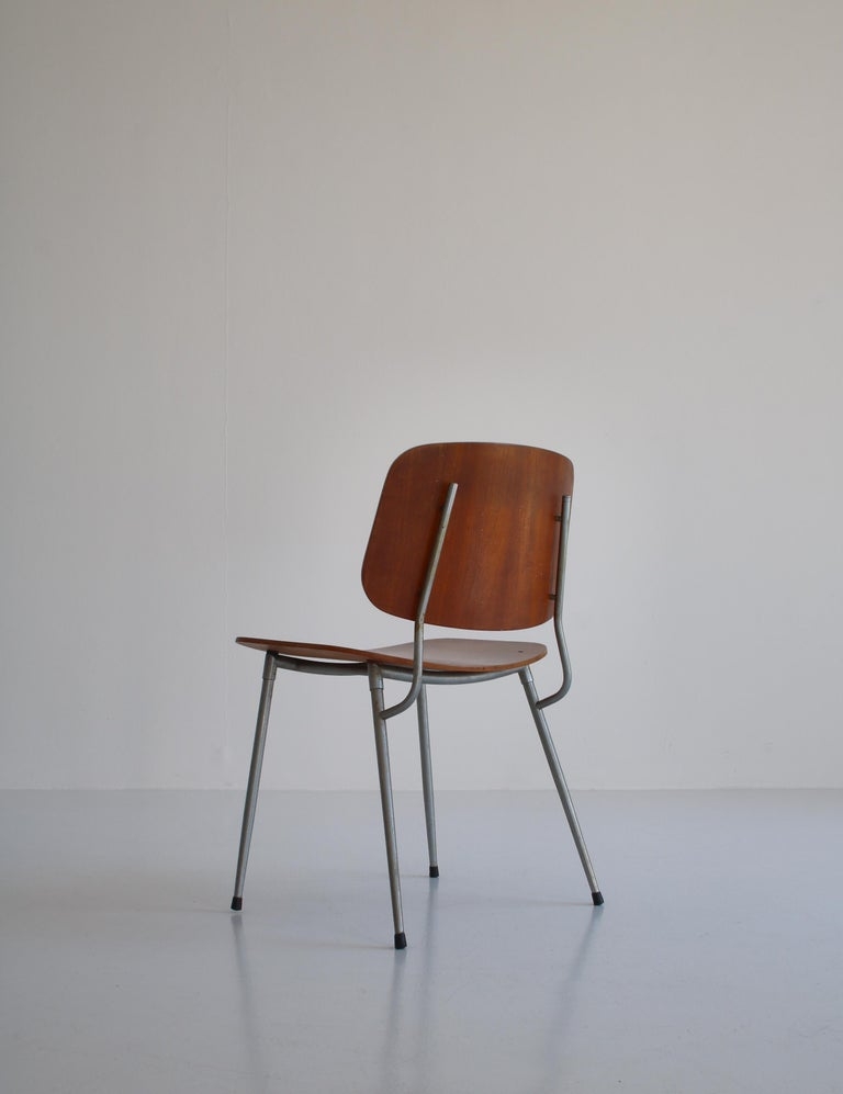 Danish Modern Børge Mogensen Dining Chairs in Steel and Plywood, 1953 For Sale 12