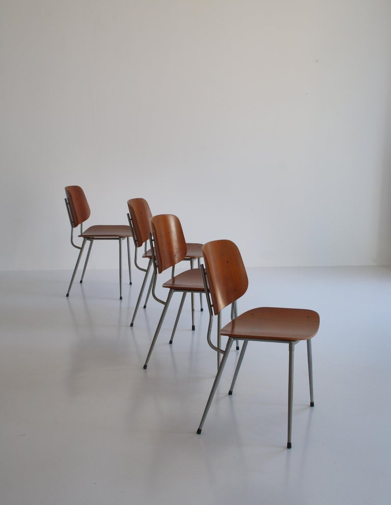Danish Modern Børge Mogensen Dining Chairs in Steel and Plywood, 1953 For Sale 1
