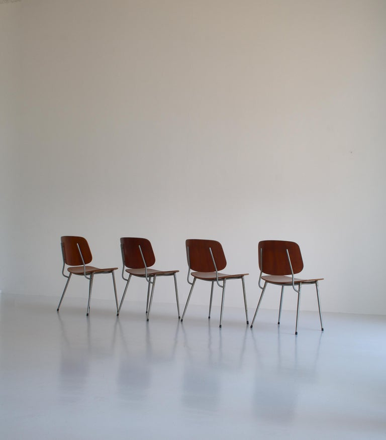Danish Modern Børge Mogensen Dining Chairs in Steel and Plywood, 1953 For Sale 2