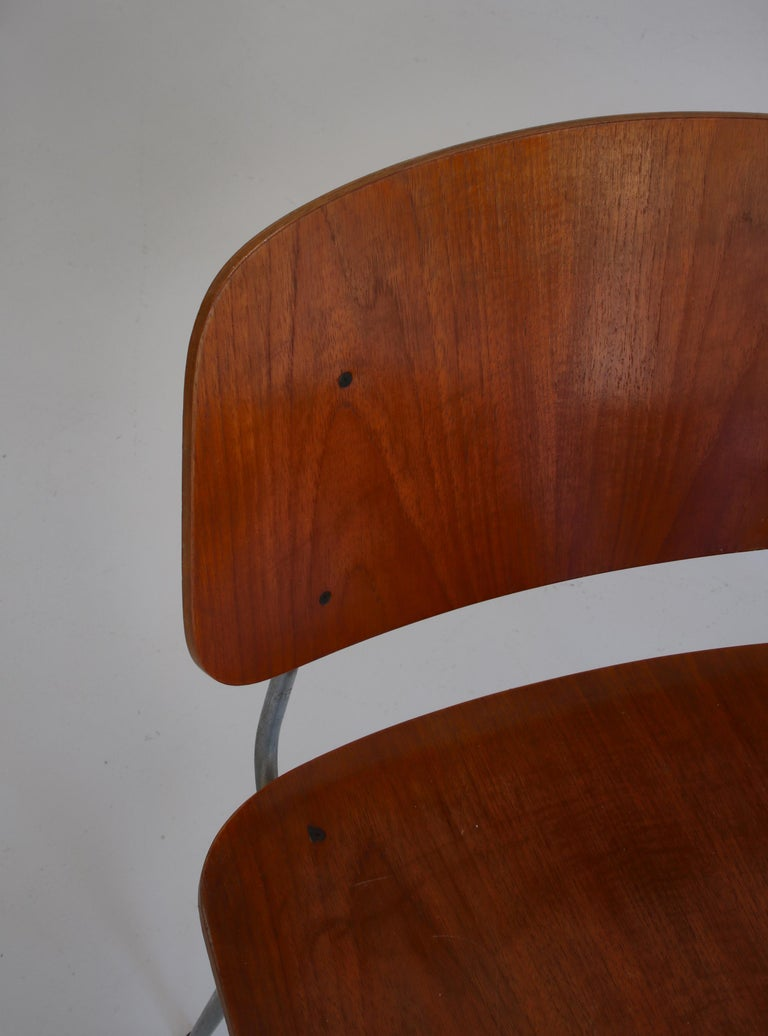 Danish Modern Børge Mogensen Dining Chairs in Steel and Plywood, 1953 For Sale 4